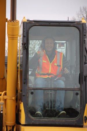 Hastings, MN: Excavator fun!