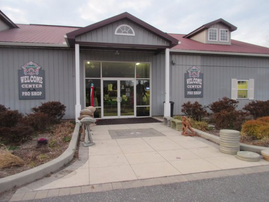 Georgetown, DE: Welcome Center and pro shop facility