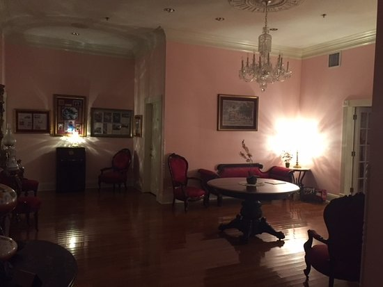 Hubbard Mansion Photo