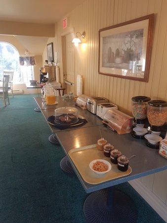 Glenghorm Beach Resort: Breakfast Area