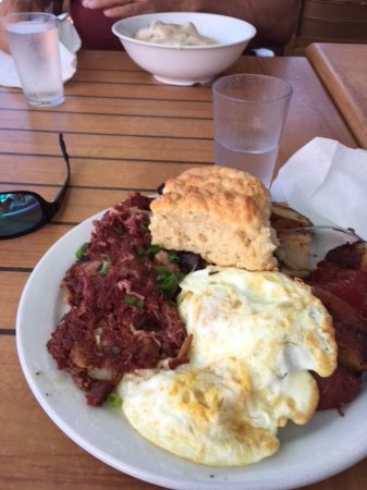 Kihei Caffe: Served Corn Beef Hash. Looks tasty. Can't wait to dig in!