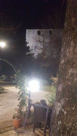 Sassoferrato, Italien: 20171202_202832_large.jpg