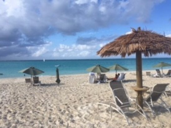 The Sands at Grace Bay: Great for beach for lounging!