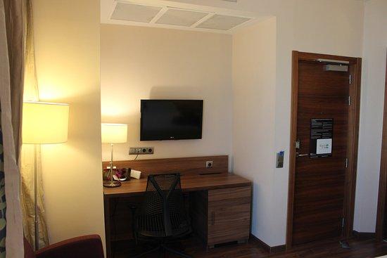 Hilton Garden Inn Sevilla Photo