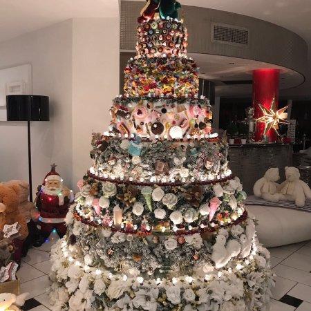 Бастия-Умбра, Италия: La torta albero più bella al mondo unica nel suo essere così splendida un'autentica opera d'arte