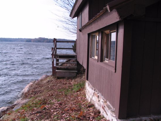 Fineview, NY: cabins are located right on the water (Lake of the Isles in the St Lawrence River)