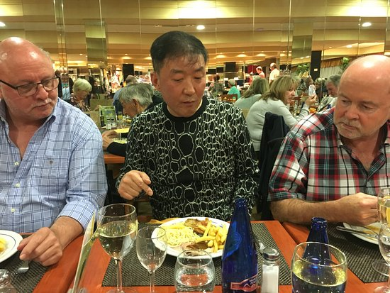 Hotel Avenida: Friends dining with us