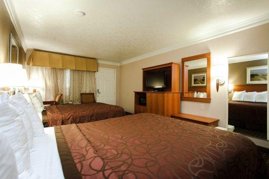 Alvin, TX: Room