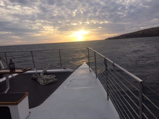 Maalaea, HI: sailing before dinner, what a beautiful night