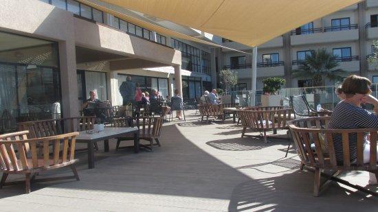 Atlantica Golden Beach Hotel: Terrace