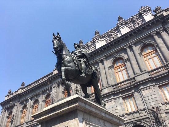 Museo Nacional de Artes: National Museum of Art