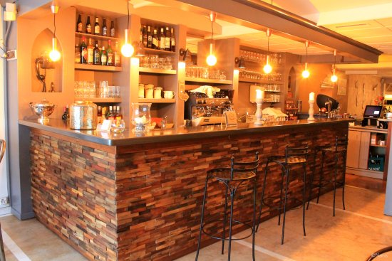 Rolle, Suiza: bar