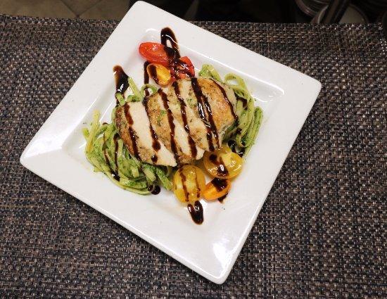 Sebring, FL: Pesto Chicken Fettuccini
