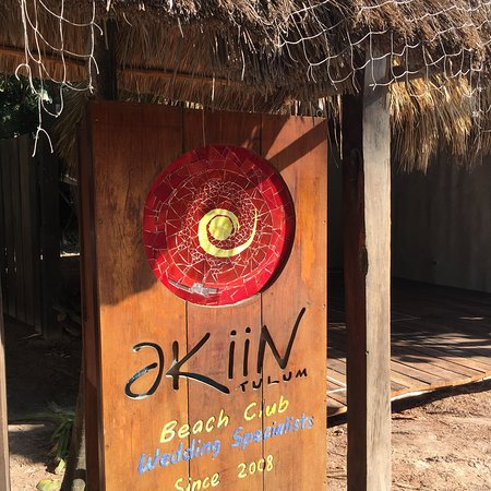 Akiin Beach Club: Akiin Beach!