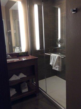 Lander, WY: Glass walk-in shower!