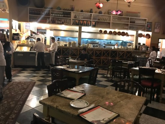 Cafe Borgia: Dining room with open kitchen