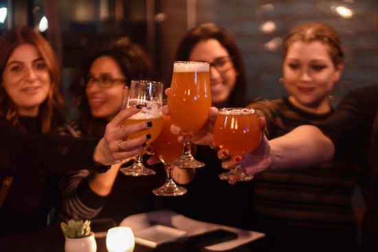 Somerville, MA : A great girl's night out location!