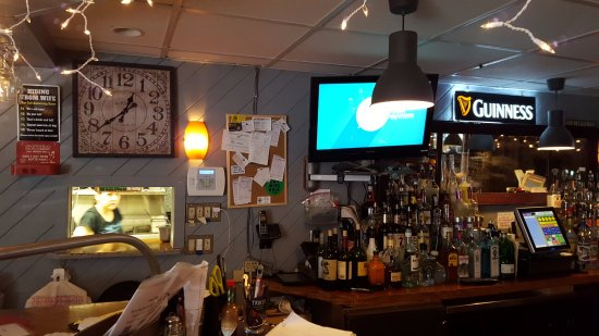 Cheshire, CT: Full Bar