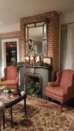 The Kenwood Inn Photo