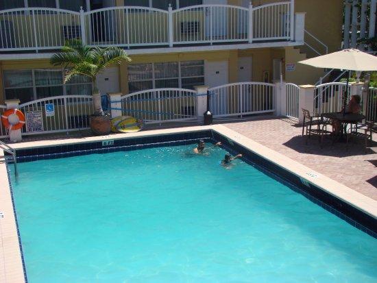 Foto Beach Place Hotel