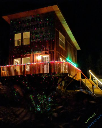 Dumont, CO: Our colorful cozy lodge