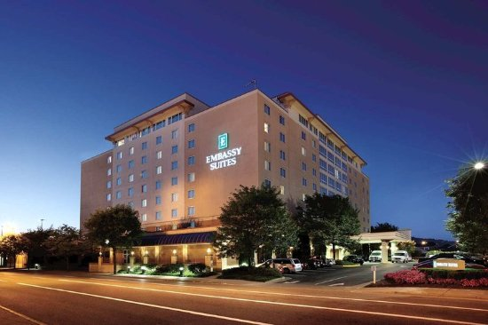 Embassy Suites by Hilton Charleston: Exterior