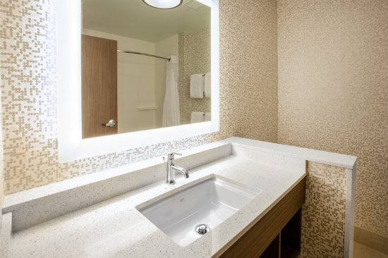 guest room amenity picture of holiday inn express suites rh tripadvisor com