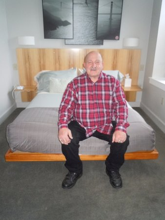Hawley, Пенсильвания: Dad also in his room at Ledges!