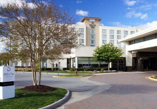 Delta Hotels by Marriott Chesapeake : Exterior