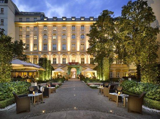 The grand mark prague 180 2 8 0 updated 2018 for Grand hotel bohemia prague reviews