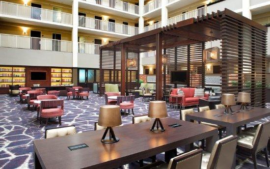 embassy suites by hilton philadelphia airport 130. Black Bedroom Furniture Sets. Home Design Ideas