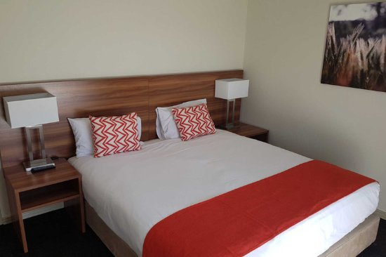 Quality Inn Carriage House: Guest room