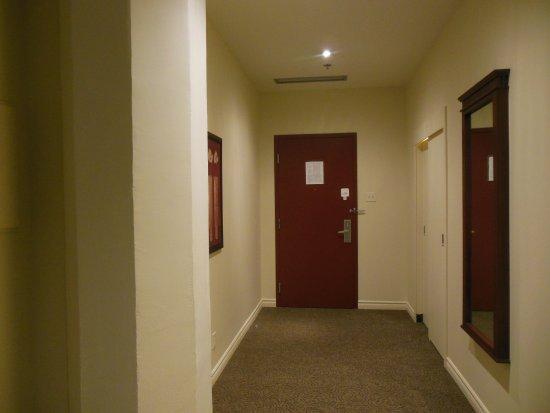 Le Square Phillips Hotel & Suites: Foyer