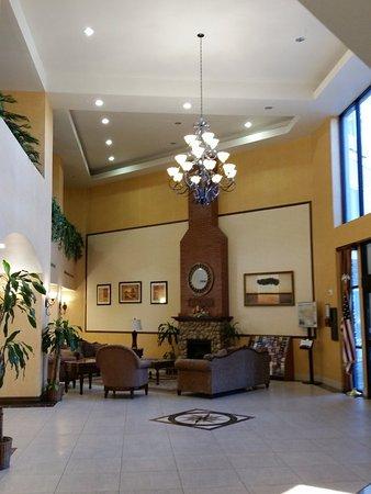 Beaumont, CA: Lobby