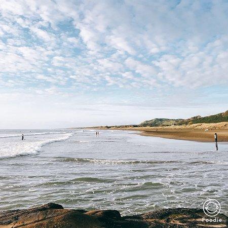 Muriwai Beach, New Zealand: 海邊