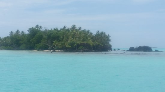 Aitutaki Village and surrounding islands