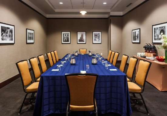SpringHill Suites Chicago Downtown/River North: Meeting room