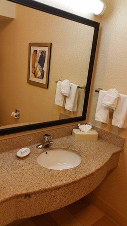 Fairfield Inn & Suites Denton: Clean again!