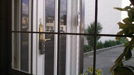Tadaoka-cho, Japan: The Entrance out of a Window