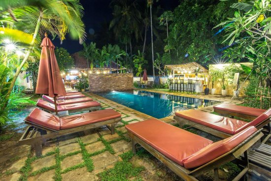 Mudra Angkor Boutique Hotel: Pool side Bar