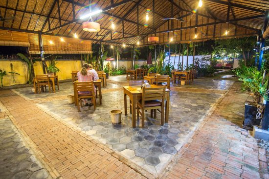Mudra Angkor Boutique Hotel: Khmer food and Western Food available