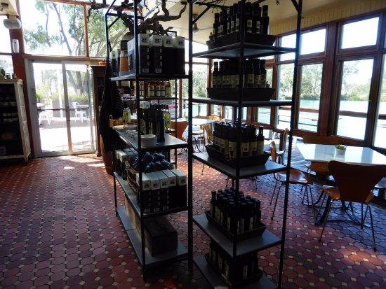 Nuriootpa, ออสเตรเลีย: Food and dinning table