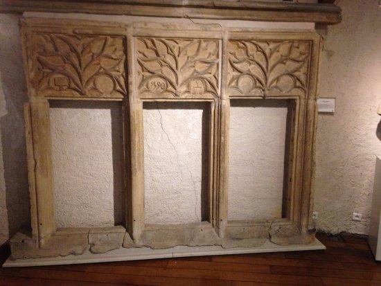 fen tres meneaux photo de mus e de la tour aux puces thionville tripadvisor. Black Bedroom Furniture Sets. Home Design Ideas