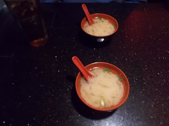 Eagle River, AK: Shine's Asian Fusion Bistro. Very nice Miso Soup.