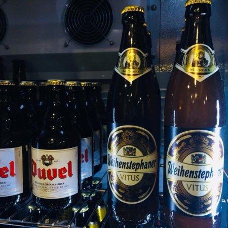 Torremanzanas, Spanje: Fantástico bodega para los cerveceros!!