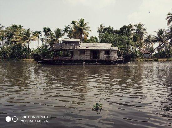 Palmgrove Lake Resort: IMG_20171118_125718_large.jpg