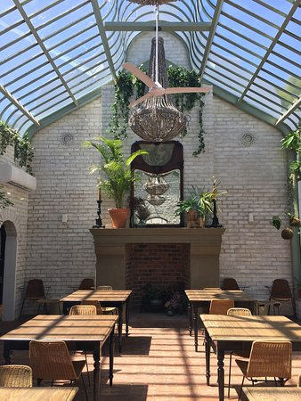 Akademie Street Boutique Hotel and Guest House: Dining conservatory