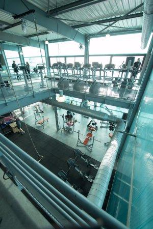 Auberville, Francia: La salle est organisée sur 2 étages avec plusieurs espaces d'entraînement