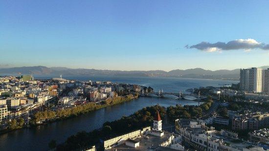 Dali, Kina: 在酒店拍摄的大理(洱海)的晨景