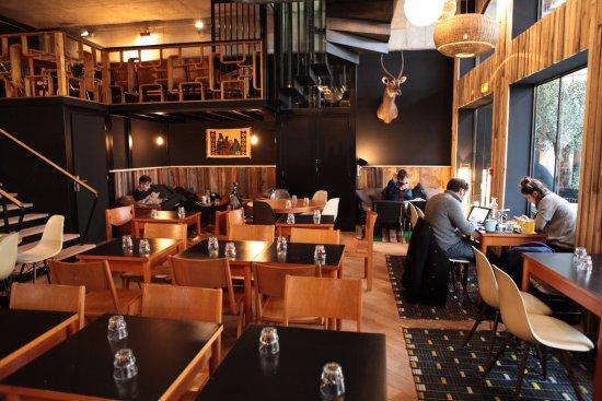wanted italian restaurant paris combat restaurant. Black Bedroom Furniture Sets. Home Design Ideas